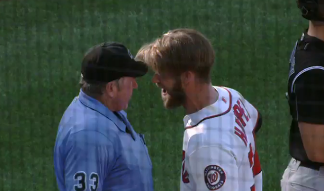 Bryce-harper-argues-with-ump