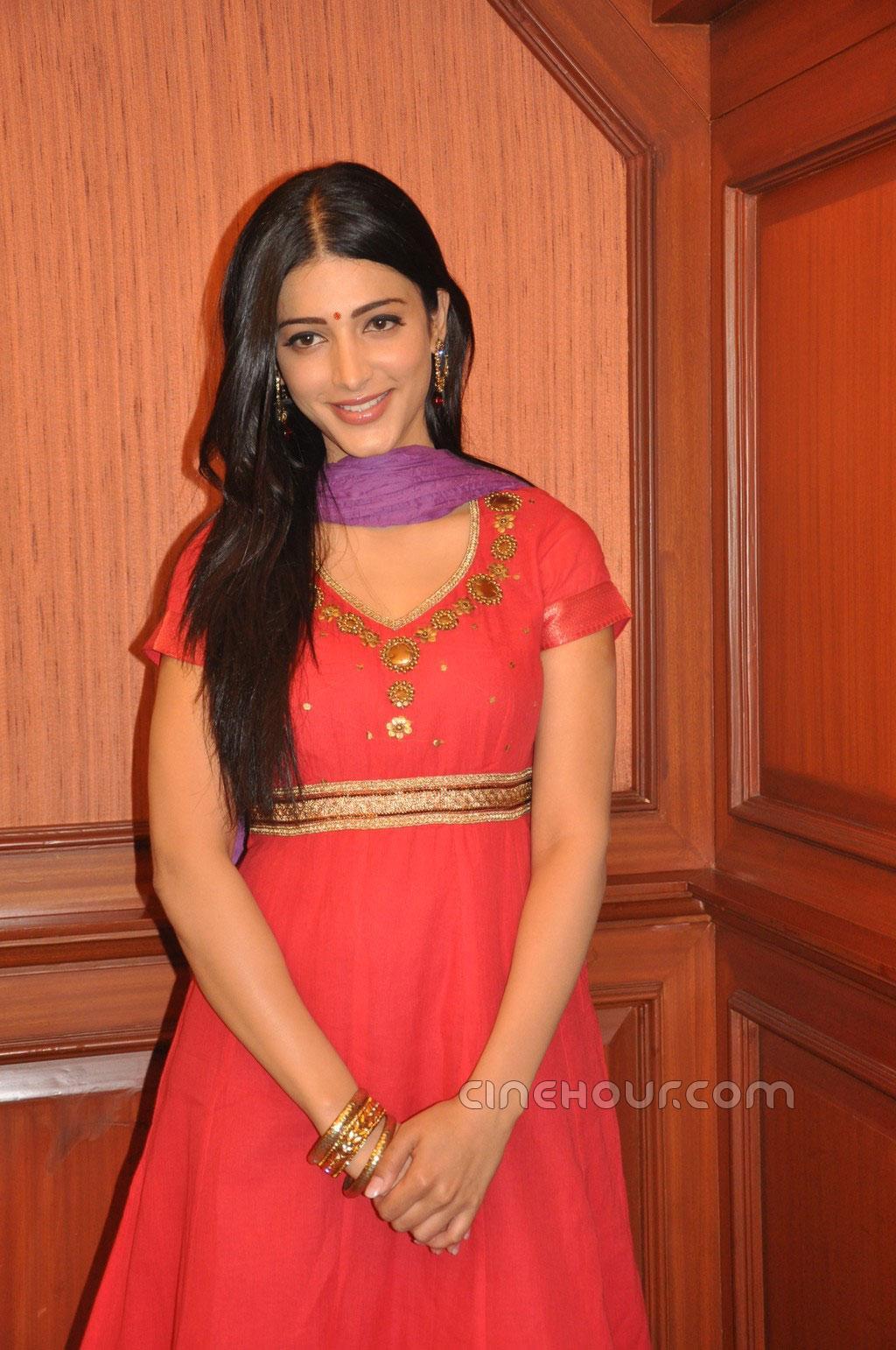 Shruti Hassan At 7Am Arivu Movie Pics  Shruti Hassan Hot -3026