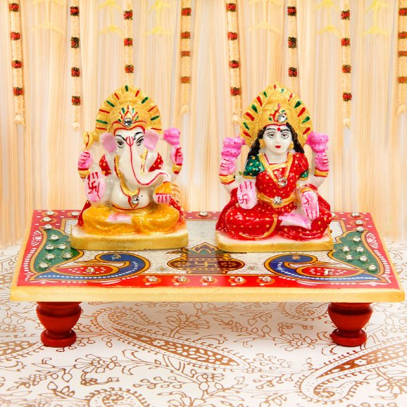 Goddess Lakshmi And Lord Ganesha Idols