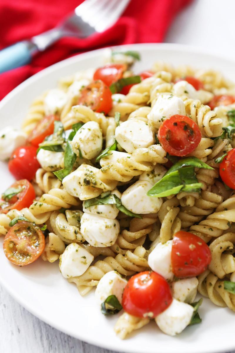 #Recipe : Caprese Pasta Salad
