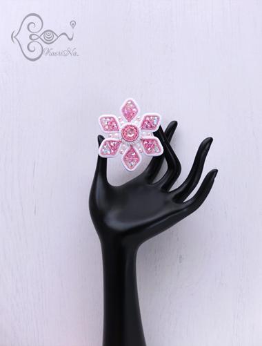 桜のアクセサリー ソウタシエ刺繍作家 KaoriNa.