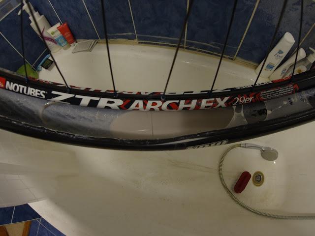 Блог им. AndreyReyter: Опыт использования герметика WTB TCS tire sealant