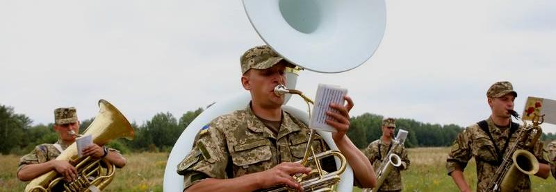Барабани та маракаси – Президентський полк придбав на 6 млн інструменти для оркестру почесної варти