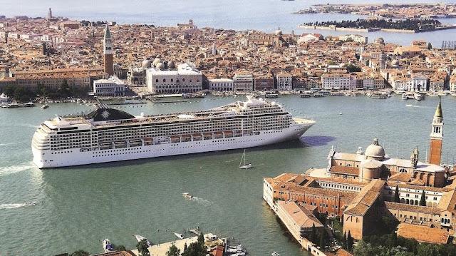 Venezia a numero chiuso di turisti, pro e contro per economia e turismo