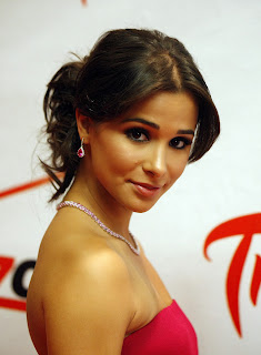 Josie Loren photo