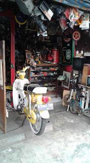 Ada Toko Barang Antik Nan Jadoel Di Ciledug Tangerang