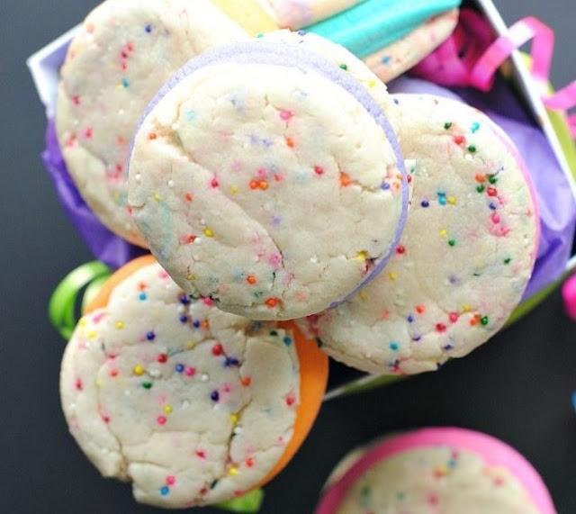 Funfetti Whoopie Pies #cookies #dessert