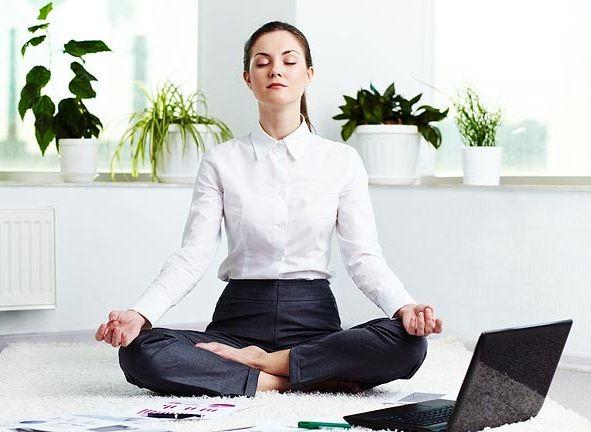 Yoga Ringan Untuk Kamu Yang Bekerja Di Depan Komputer