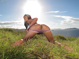 Lyla Storm InTheCrack 690 Full Picture Set
