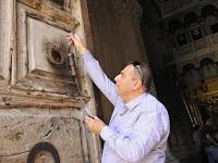 Jika Banser Hanya Jaga Gereja, Nusaibah Justru Muslim Pertama yang Memegang Kunci Gereja
