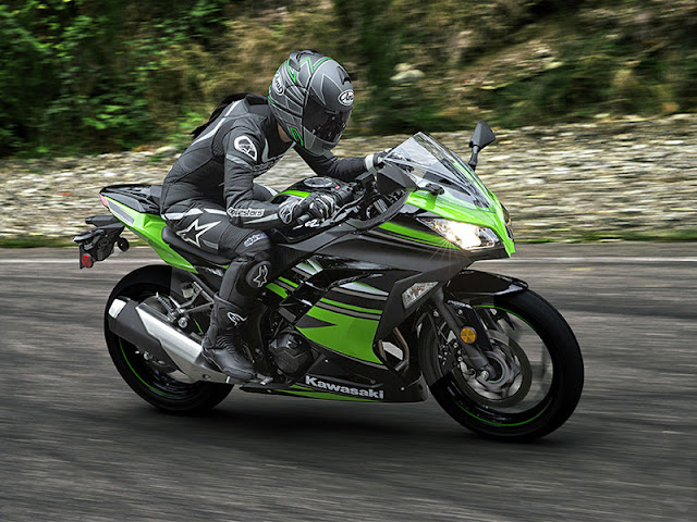 Review, Spesifikasi Ninja 300 KRT Edition