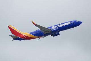 Southwest 1380: Boeing 737-700 explode motor e pousa em segurança.