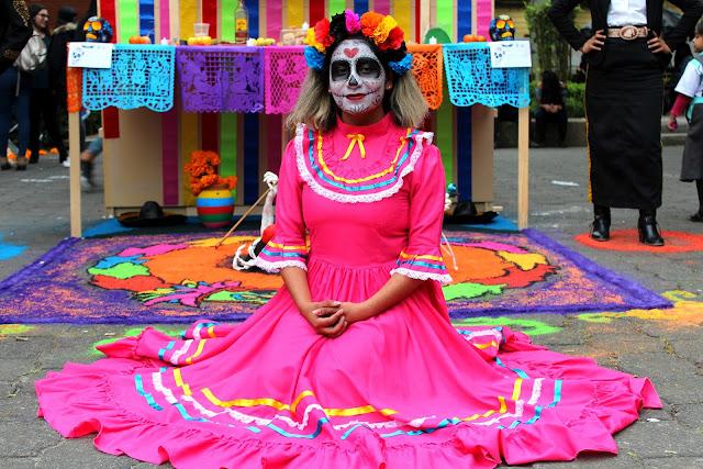 Bernyanyi dan Tertawa Bersama Roh Leluhur di Festival Dia de Muertos ... 079c4b4f25