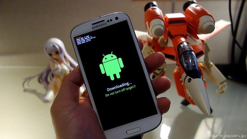 mengunduh file untuk root android