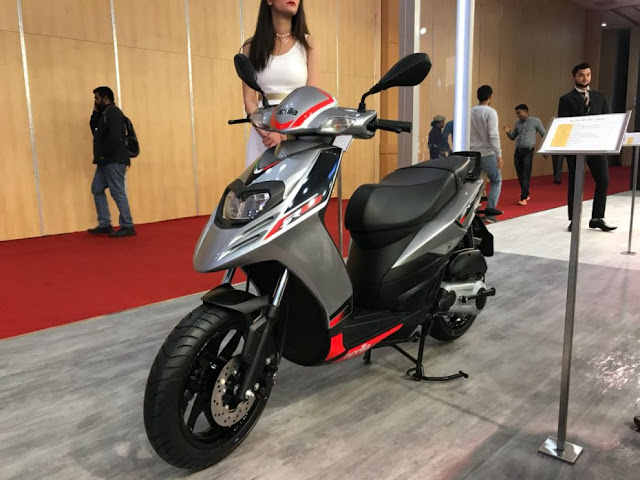 New Aprilia SR 125 with girl