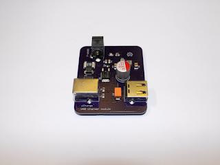 """Módulo carregador USB """"uCharge"""", revisão A1."""