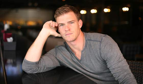 VIDEOS: Get to know more about Alan Ritchson (Gloss) and ...