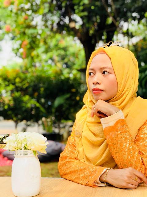indonesian beauty blogger