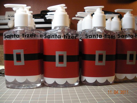 how fun santa tizer for the teacher you could put this in the 12 days of christmas gift bag just cut out a red band of paper a white scallop and a