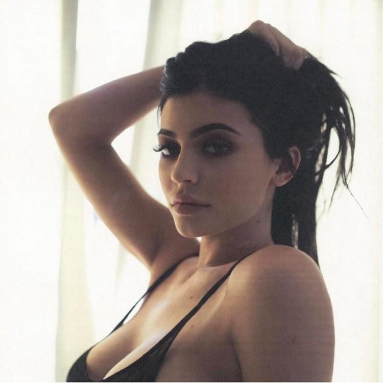 A fan of Kim Kardashian and a copy of Kylie Jenner