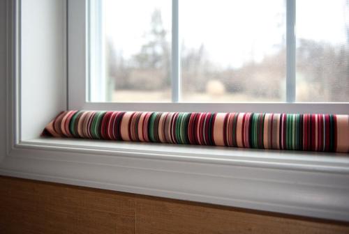 Izolarea handmade a geamurilor contra curentului evitandu-se pierderile de caldura