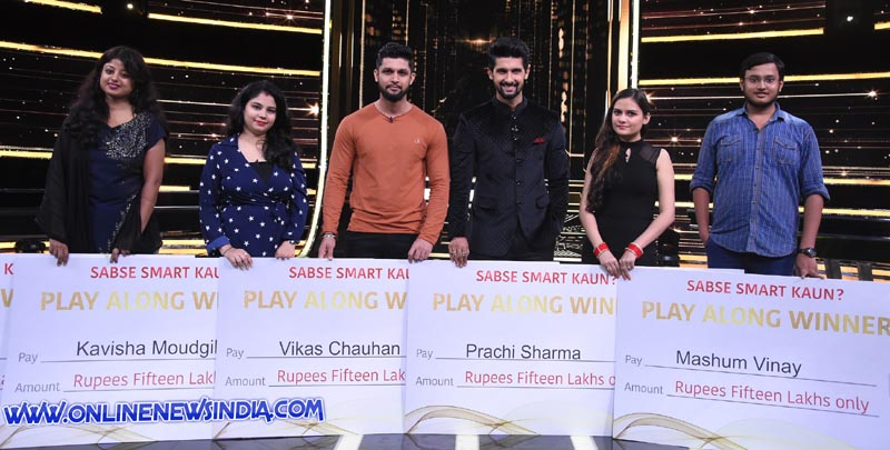 From left Host Ravi Dubey along with play along winners Divya, Kavisha Moudgil, Vikas Chauhan, Prachi Sharma and Mashum Vinay
