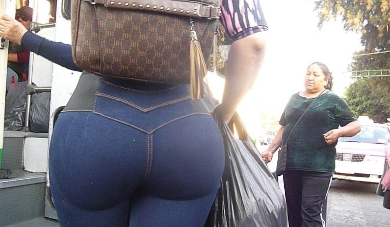 Culona en jeans lisos - 3 4