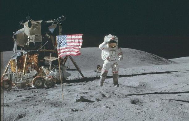 Η απάντηση της Nasa στις θεωρίες συνωμοσίας για την αποστολή του Απόλλων 11 στο Φεγγάρι