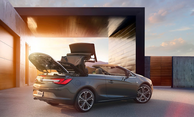 Rear 3/4 view of the 2016 Buick Cascada