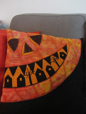 mrs moen how to make a pumpkin pillow