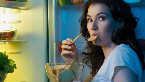 Bahaya Makan Sebelum Tidur