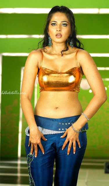 Tollywood sexy Anushka Shetty masala pictures, sexy images