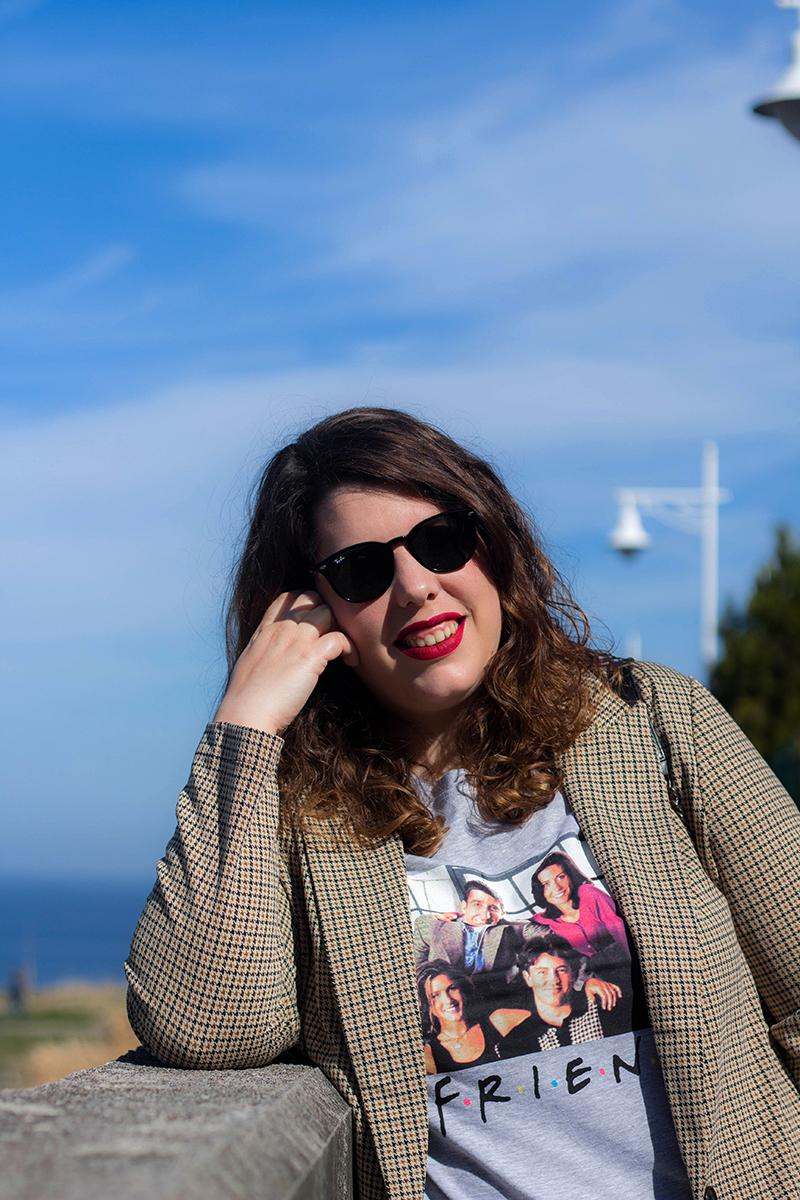 Collage of Style by Almudena Duran - Look con americana y camiseta de Friends VII