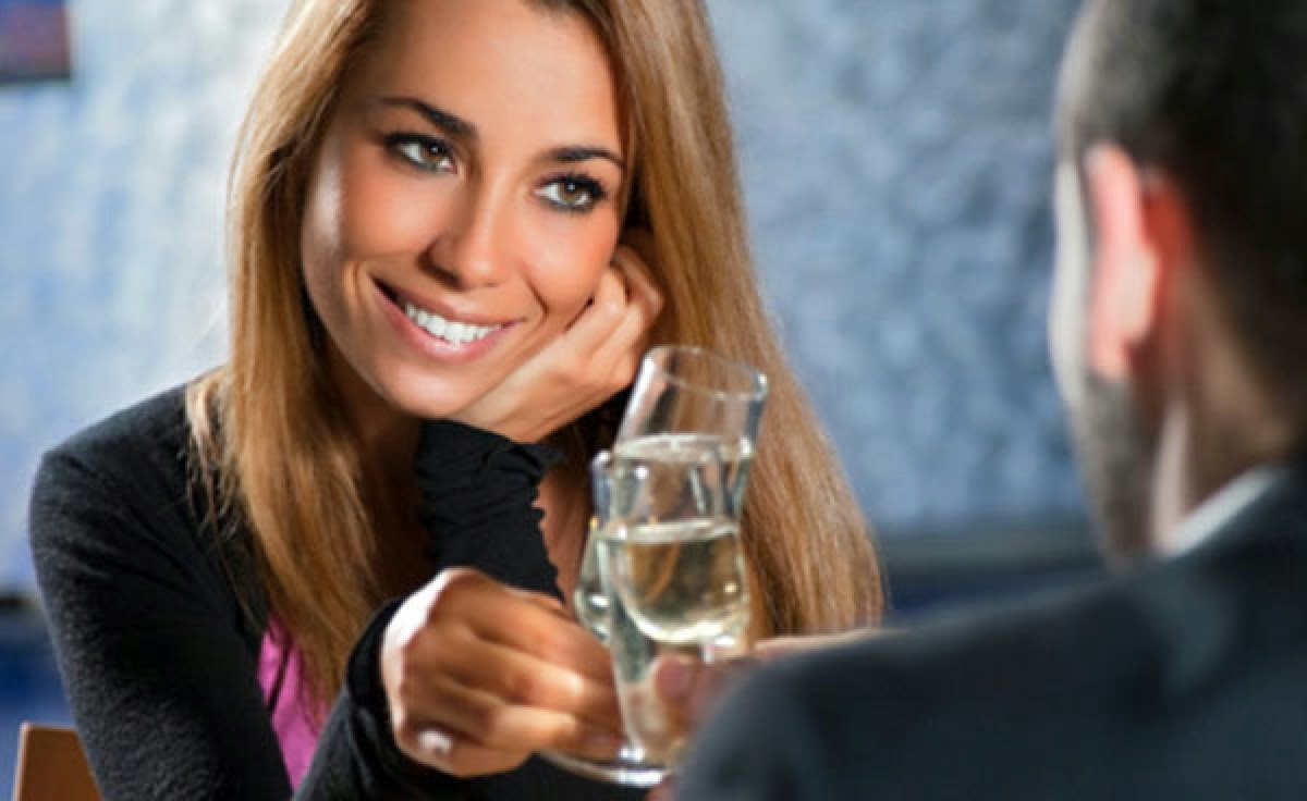 simple ways to impress women compliment her - 3 compliments that apply to every girl out there!