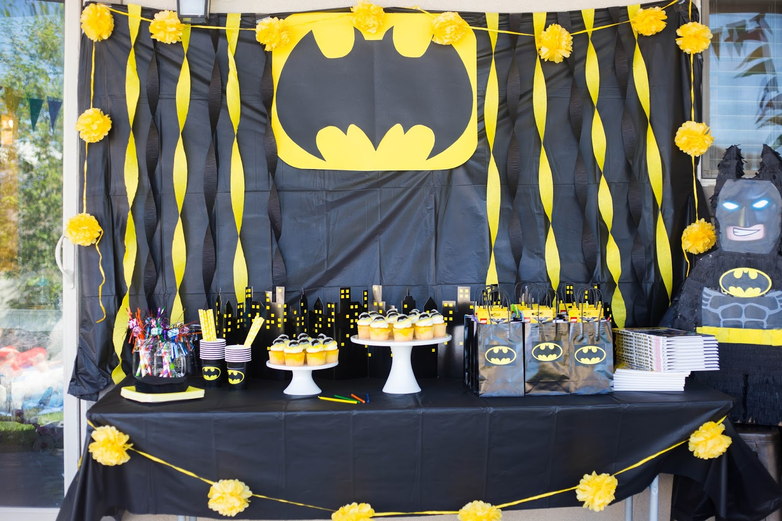 do it yourself divas DIY LEGO Batman Birthday Party