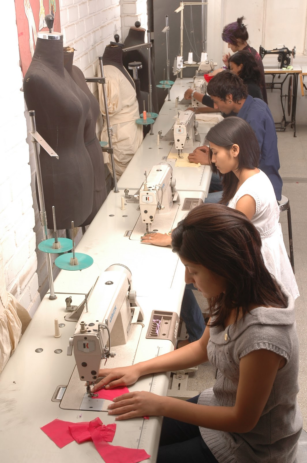 Institute Of Fashion Technology Use Of Technology In Fashion Designing