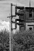 http://fineartfotografie.blogspot.de/2014/04/stillgelegter-bahnhof-fotografische.html