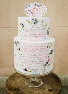 kue pengantin dengan tulisan tangan