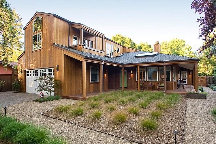 rumah kayu 2 lantai