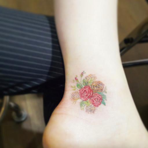 Este bouquet floral