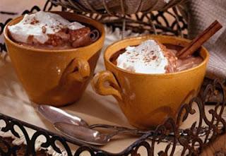 Ciocolata calda pentru doi indragostiti