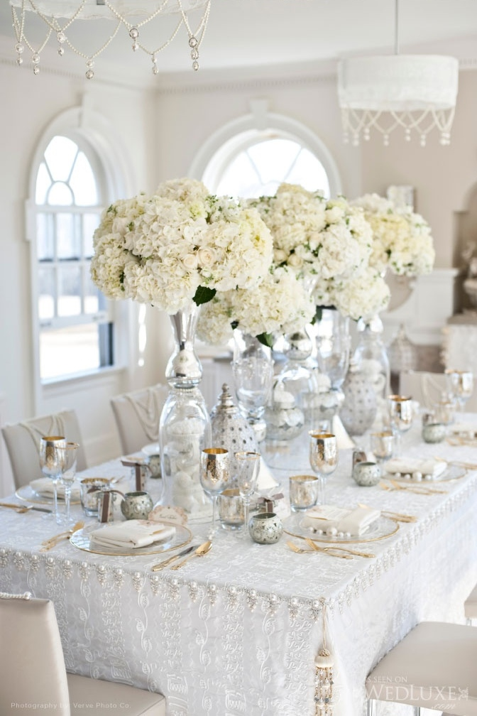 White And Cream Table Settings Look So Timeless Elegant
