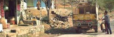 स्पेशल रिपोर्ट: नीमकाथाना प्रदेश में पेट्रोल-डीजल तस्करो ने जमा रखा धंधा प्रशासन रोकने में नाकाम