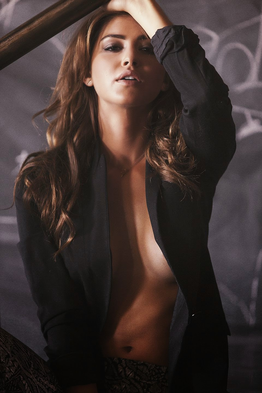 Jehane Gigi Paris strips to lingerie for new photoshoot