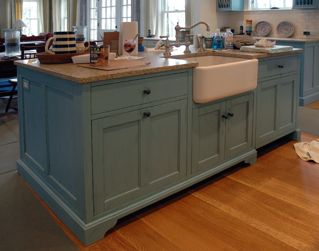 islands in stream custom kitchen islands Dorset Custom Furniture A Woodworkers Photo Journal the kitchen island over and out