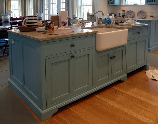 Dorset Custom Furniture - Woodworkers Journal Kitchen Island . Over