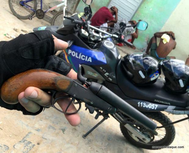 Foragido é detido com arma de fogo em Santa Cruz do Capibaribe