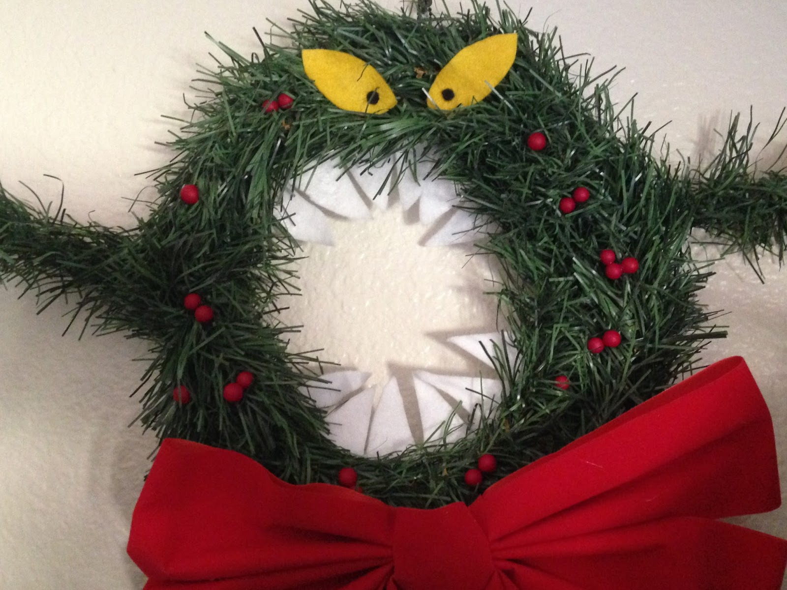 Adventures in DIY Nightmare Before Christmas Man Eating Wreath