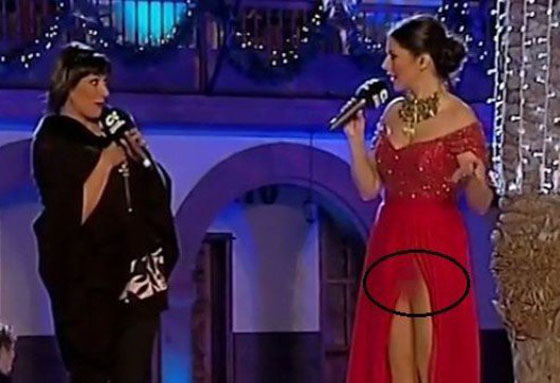 Video Viral! Host Cantik Ini Ternyata Tidak Mengenakan Celana Dalam