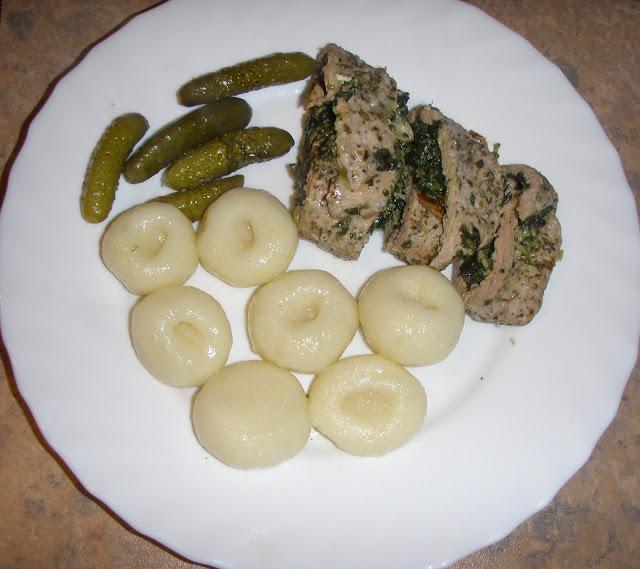 P2090044 Rolada  z polędwiczki i szpinaku na parze